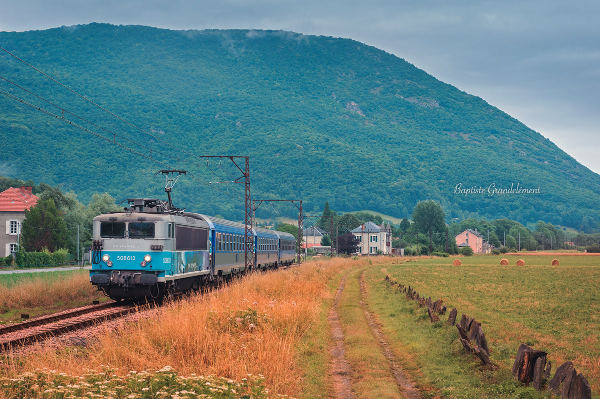 http://www.baptiste-photographies.com/photos/trains-de-nuit/08.07.2012_BB8613_3991_PAZ-LUC_Salechan.jpg